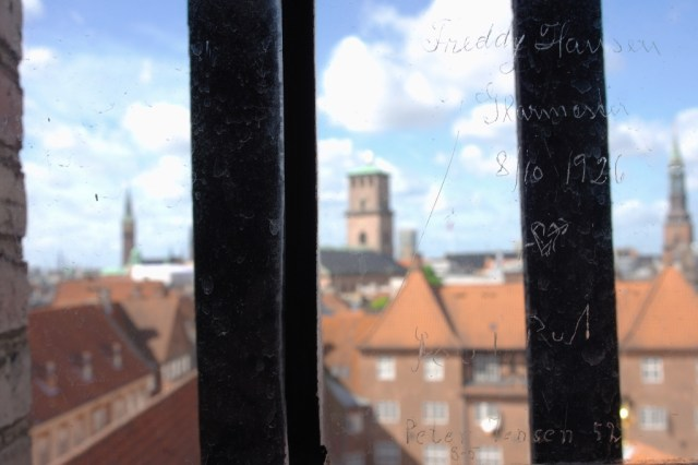 Round Tower window inscription love, Copenhagen