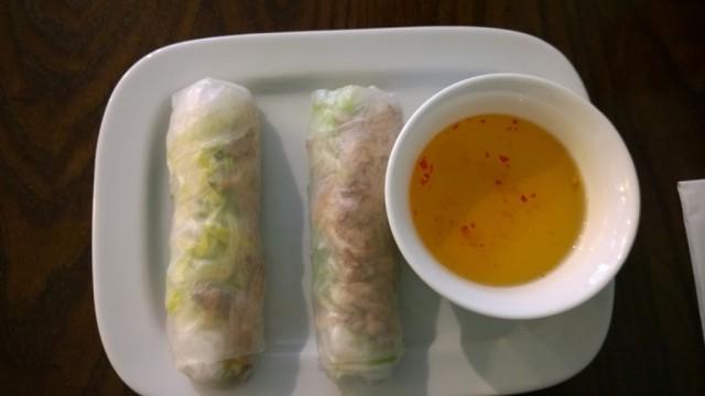 Bi Cuon, two caramel pork summer rolls, Bahn Mi Bay review