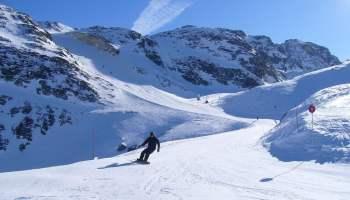 3522009174_4b047e15ef_b_Skiing-in-La-Plagne