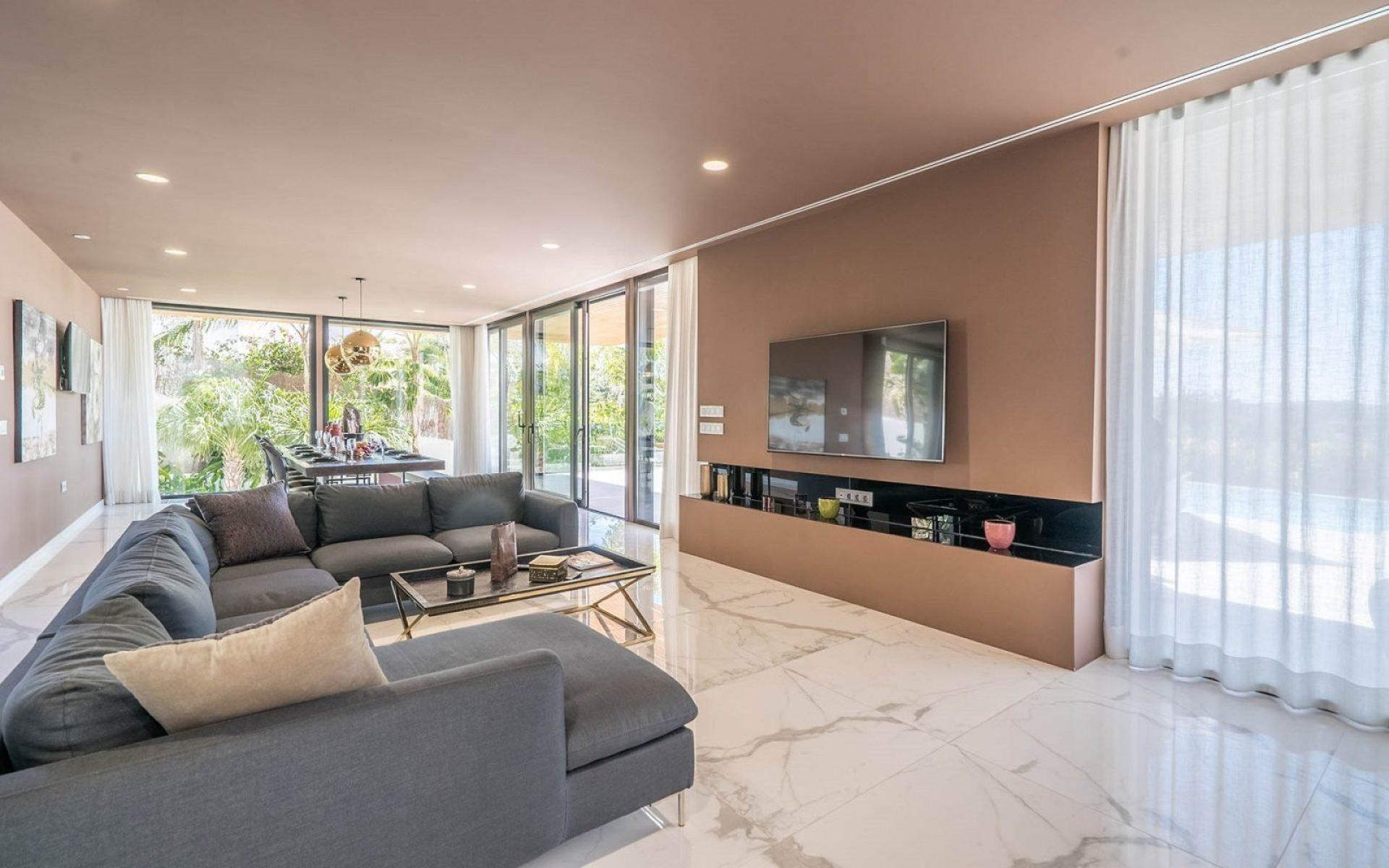 Inside-a-luxury-villa-in-Ibiza