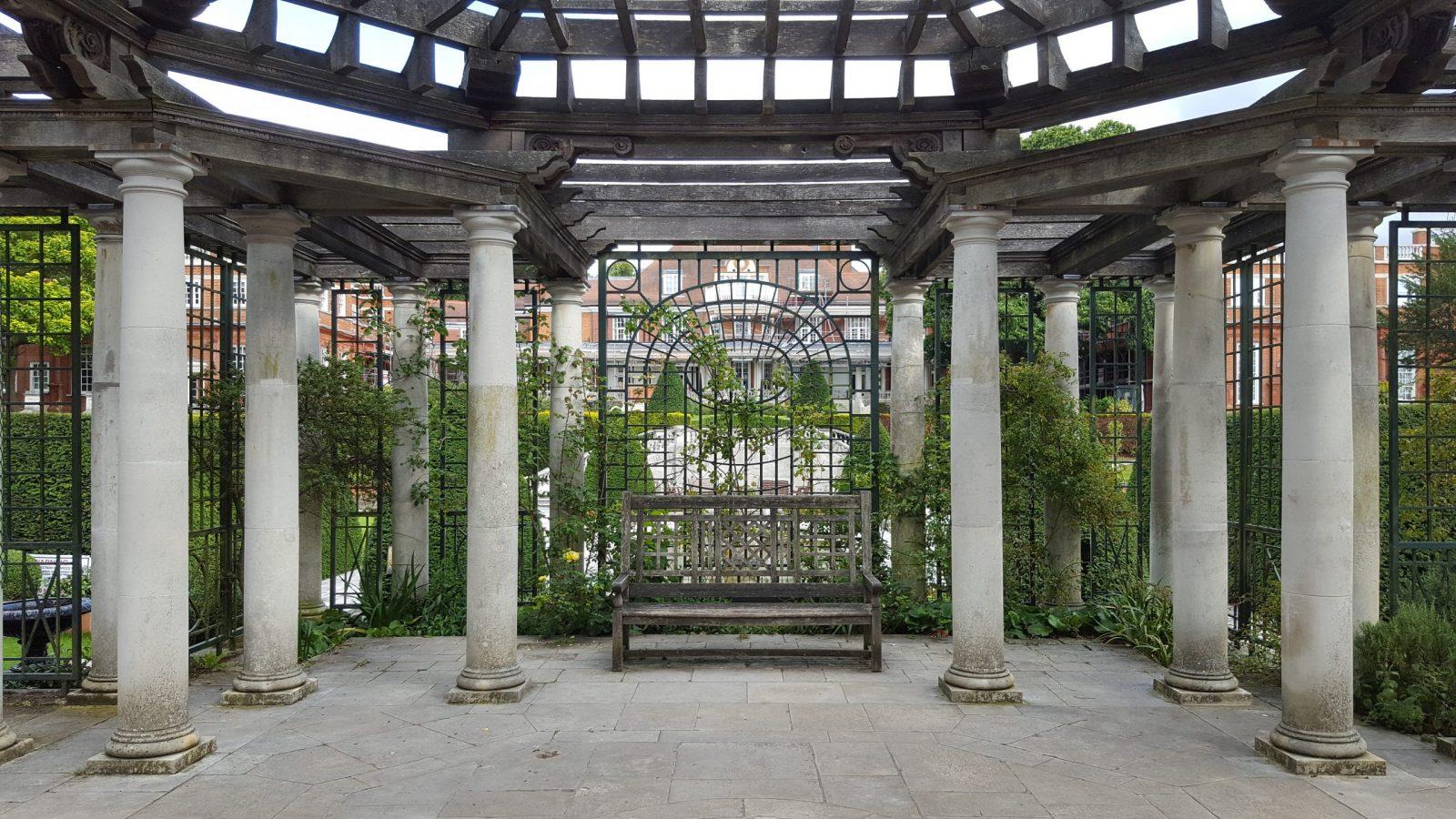Visiting Hill Garden & Pergola, Hampstead Heath: Photo Gallery 9