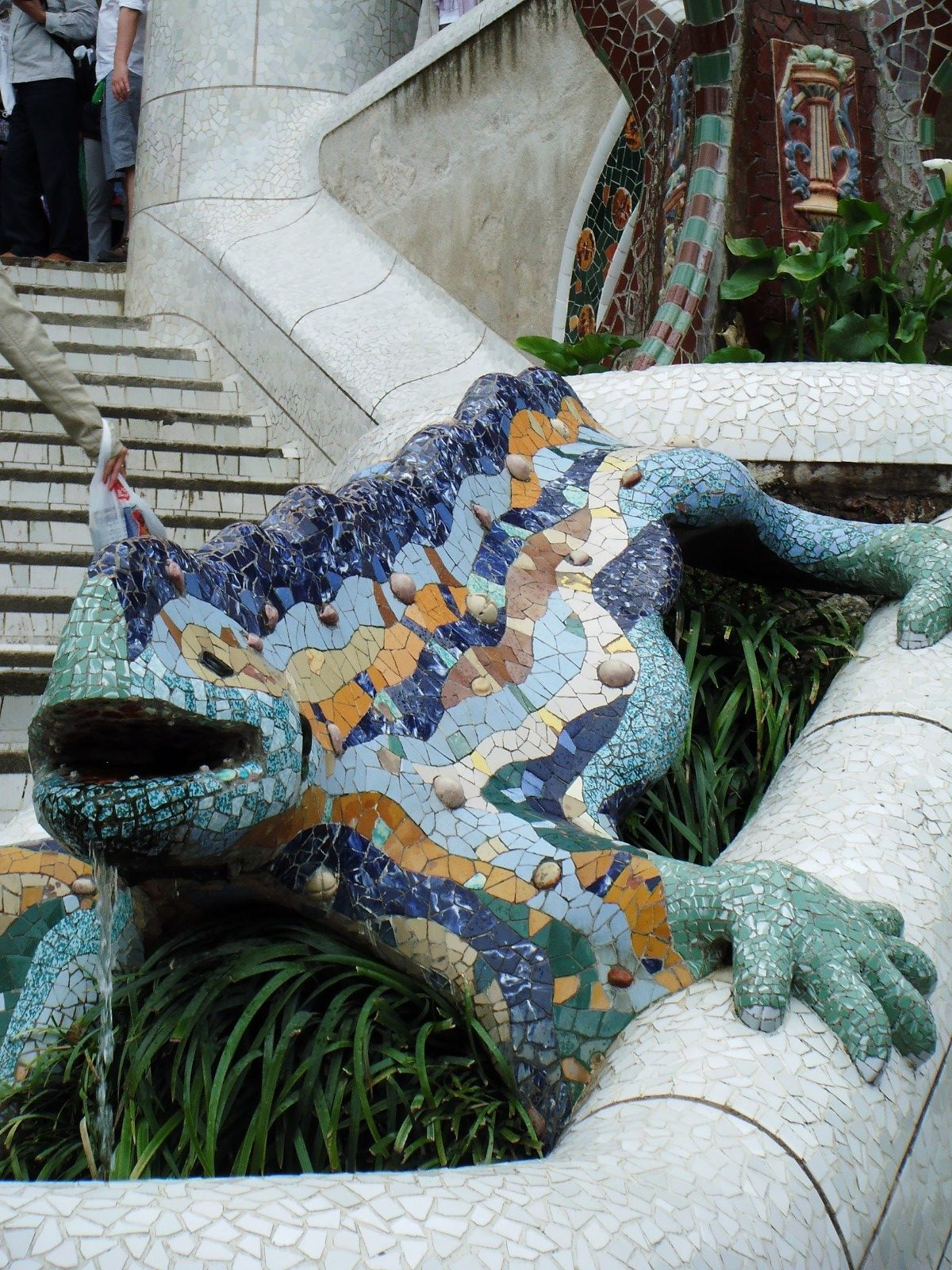 Gaudi's Gingerbread House in Parc Guell Looks Delicious 6