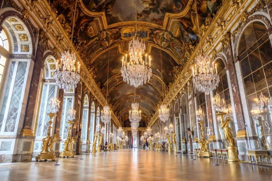 7 Best Places to Visit an Hour from Paris 5