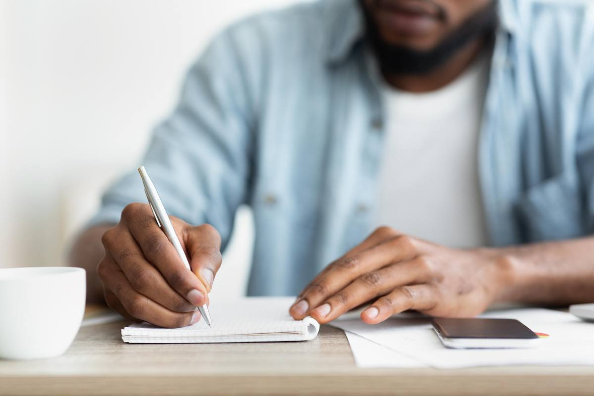 Should You Specialize Your Writing Business? – Tips for Freelancers