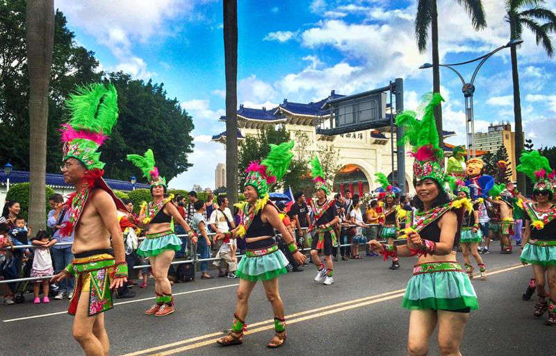 elitravelbug dream parade