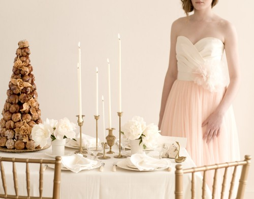 Pink-and-Gold-Holiday-Table
