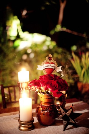 Red-Rose-Centerpiece-4