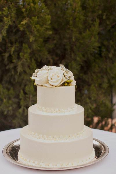 Classic White Fondant Wedding Cake Elizabeth Anne Designs The Wedding Blog