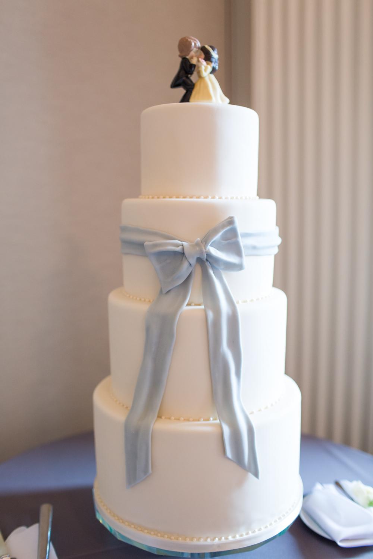 Simple Wedding Cake With Fondant Bow Elizabeth Anne