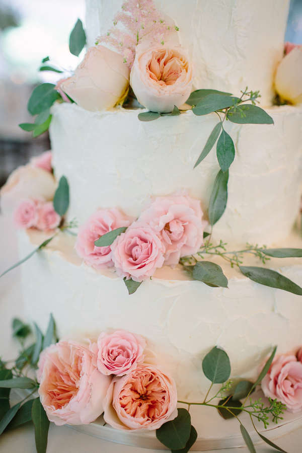 Fresh Flowers On Wedding Cake Elizabeth Anne Designs