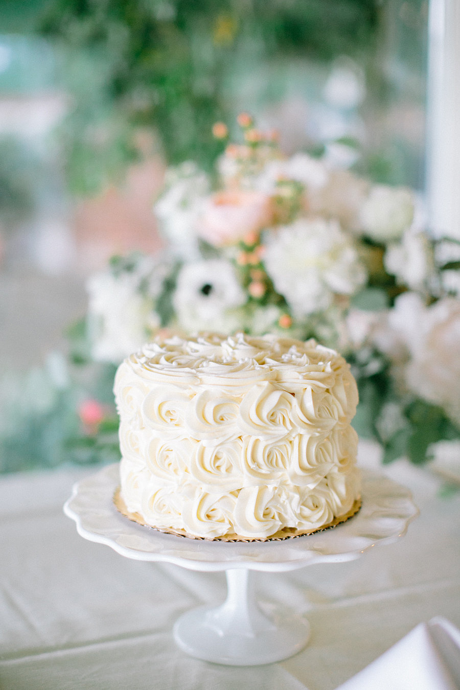 One Tier Rosette Wedding Cake Elizabeth Anne Designs