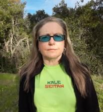 elizabeth montague wearing green kale seitan vegan t-shirt