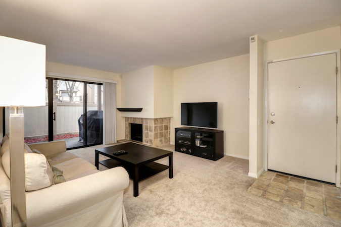 woodside oaks condo