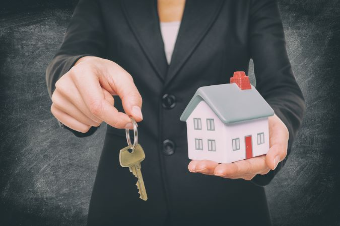 Get a Real Estate License To Buy A home