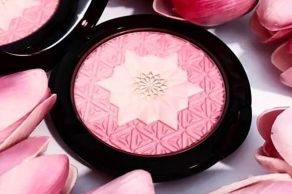 Maquillate, maquillate un espejo de cristal