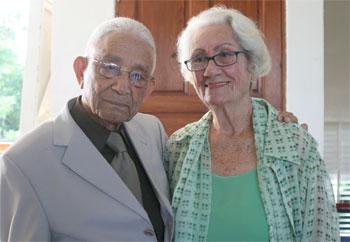 Esposos Rafael A. Ortega González y Violeta Martínez de Ortega.