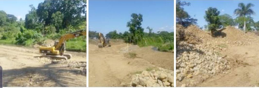 Construcciones al margen del rio jaya