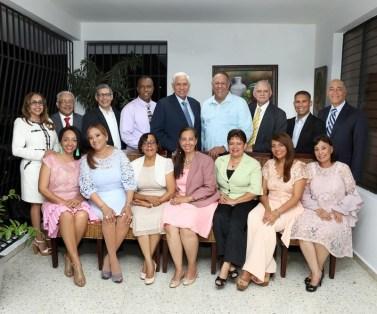 Foto de archivo de parte del grupo de médicos que Fundaron el Centro Médico Siglo 21, 23 años después convertido en el primer centro de salud docente.