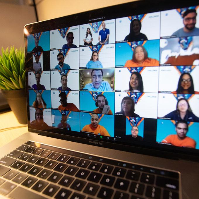 La cuarta edición del Challenge Popular congregó la participación virtual de medio centenar de universitarios de varias universidades.