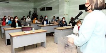 Parte de las gobernadoras que participaron en el taller de inducción a la Administración Pública, realizado por el Ministerio de Interior y Policía.