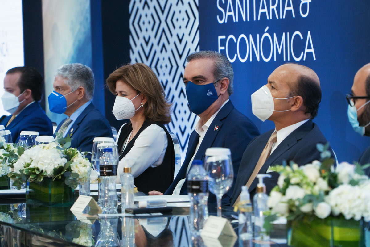 AIREN celebra almuerzo aniversario Abinader aborda las perspectivas del país ante la crisis sanitaria y económica