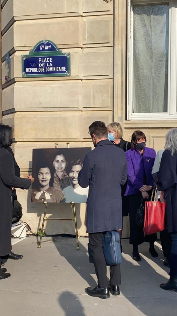 En honor a las hermanas Mirabal develan placa en París