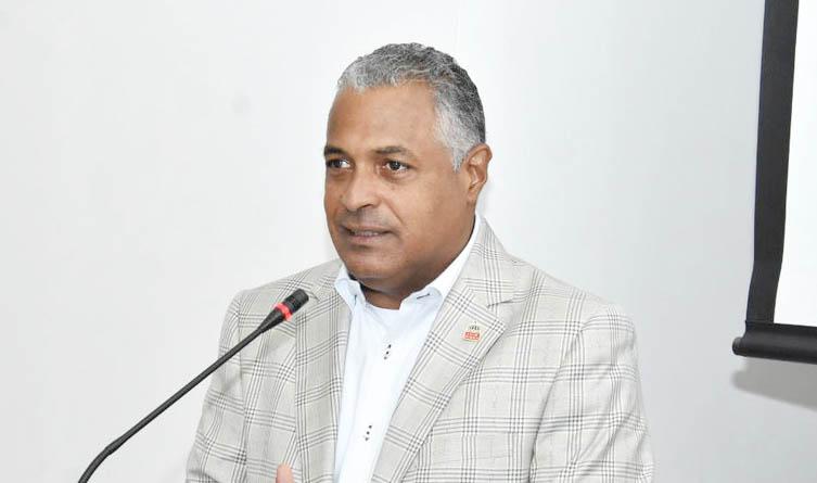 El director provincial de Salud Duarte, doctor Luis Rosario Socías