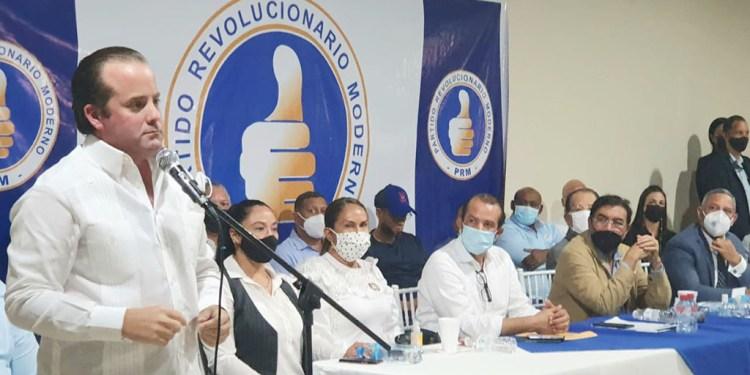 Presidente PRM José Paliza encabeza encuentro con dirigentes Región Nordeste