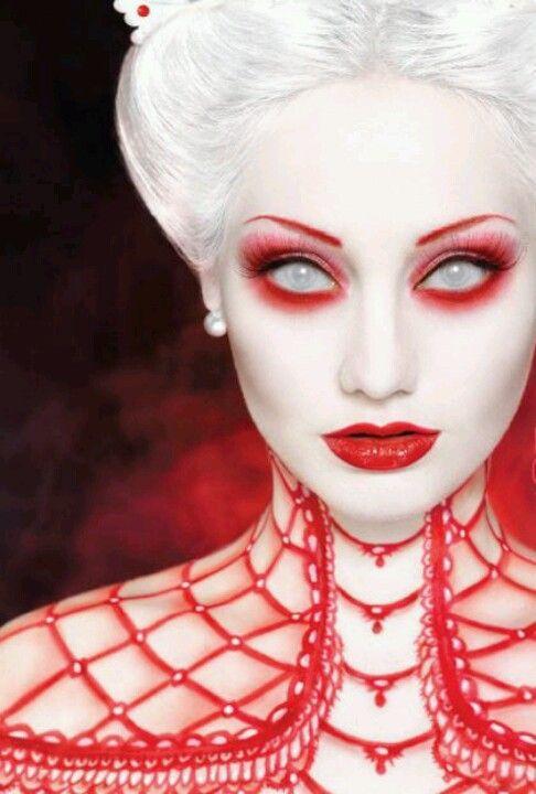 Beautiful Halloween Makeup Ideas 24