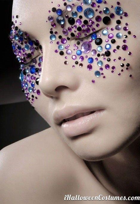 Beautiful Halloween Makeup Ideas 23