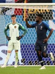 المنتخب الفرنسي إلى نهائي كأس العالم 40