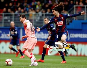 برشلونة بطل الدوري الإسباني يختتم الموسم بالتعادل أمام إيبار 27