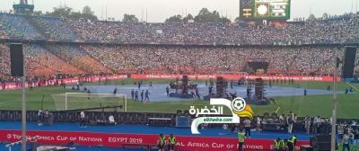 الدولة الجزائرية تكفلت بمصاريف تذاكر دخول الجزائريين لملعب القاهرة الدولي 35