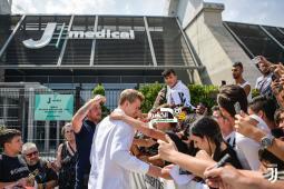 دي ليخت ينهى الفحوصات الطبية في ناديه الجديد يوفنتوس 55