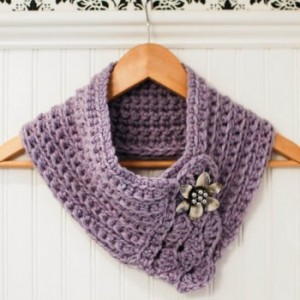crochet-scarflette-pattern- by Petals to Picots