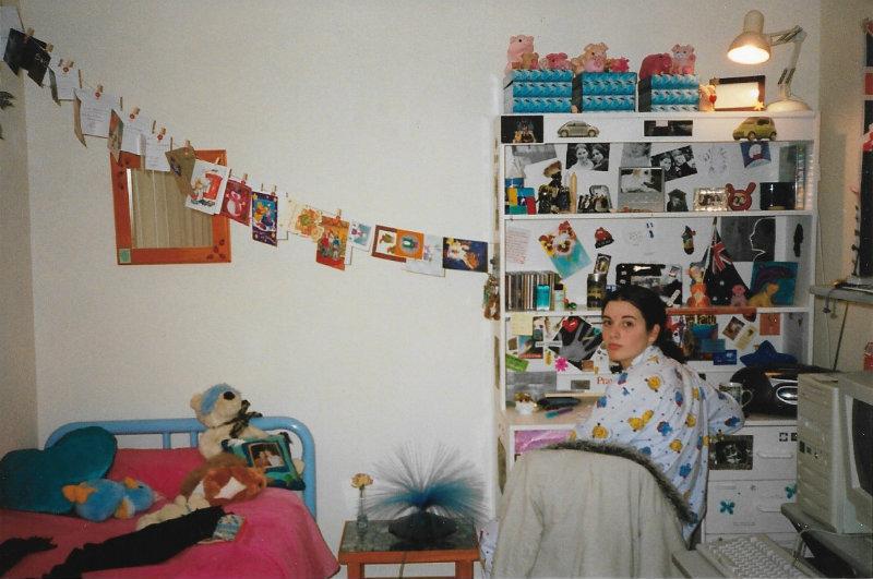 Anatomy of a 90s Teen Girl's Bedroom | By Elle Croft on 90 Room  id=49966