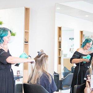 Elle J Hair Salon 04