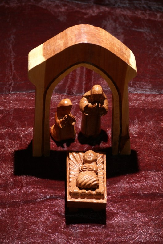 Nativity carved with Mississippi red cedar by James Buie (http://www.jamesbuie.com/); Photography by John Chauvin Flash! Photography