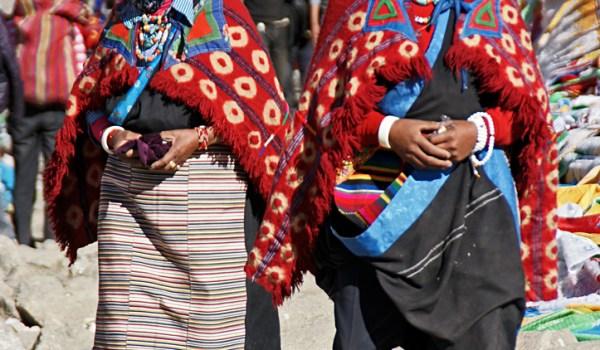 Day 2 of the kora: pilgrims on Drolma La pass (5.660m) (2011)