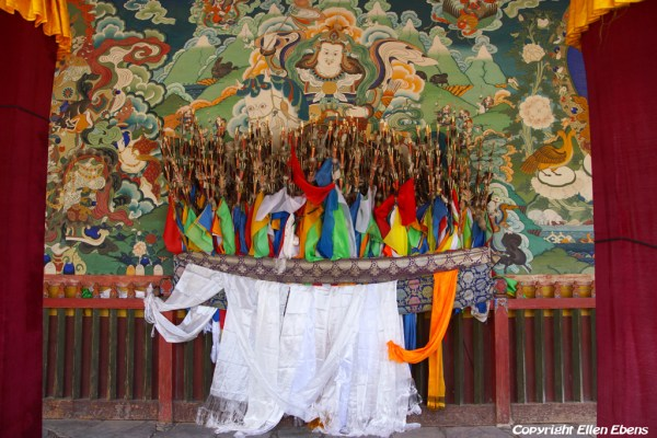 Xiahe: wall painting of King Gesar at one of the halls at Labrang Monastery