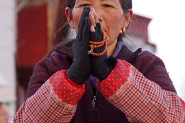 Lhasa, pilgrim at the Barkhor