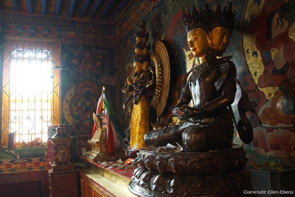 Inside a smaller assembly hall at Drigung Til Monastery