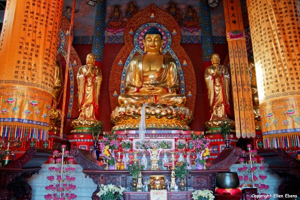 One of the many temple complexes on Jizu Shan, Buddha statue