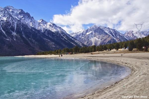 Ranwu lake in eastern Tibet