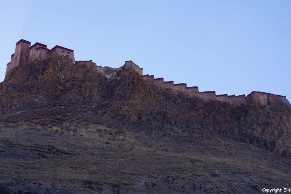 The Gyantse Dzong at the town of Gyantse