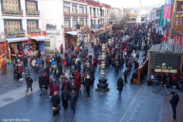 At 19.00 PM there are still many pilgrims walking the kora around the Jokhang Temple