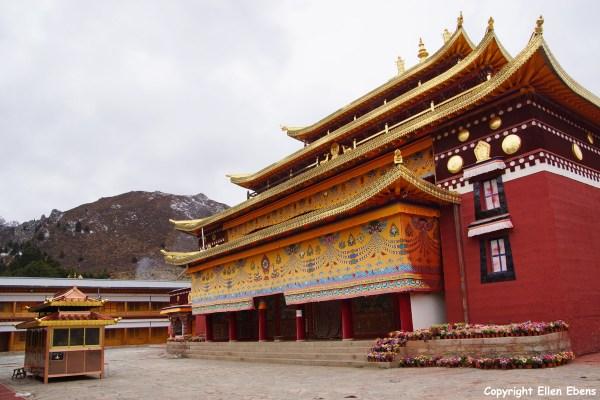 Langmusi monastery