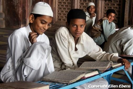 Students at the Taj-ul-Masjid Mosque, Bhopal