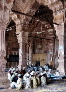 Students at the Taj-ul-Masjid Mosque, Bhopal