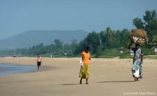 Women at the beach of Gokarna